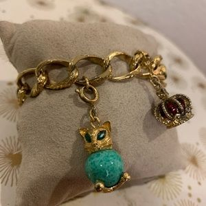 Vintage gold charm bracelet with cat and crown